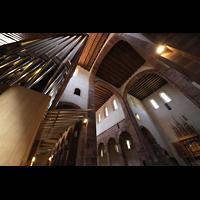 Alpirsbach, Klosterkirche, Blick von der Orgel in die Vierung