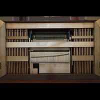 Schramberg (Schwarzwald), St. Maria, Mechanische Traktur und Physharmonica im Spieltisch