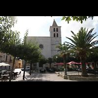 Campanet (Mallorca), Sant Miquel, Plaça Major mit Kirche