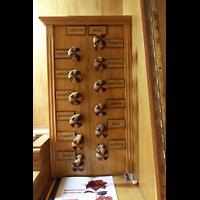 Campanet (Mallorca), Sant Miquel, Spieltisch - rechte Registerstaffel
