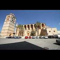 Muro (Mallorca), Sant Joan Baptiste, Außenansicht - Seitenschiff und Turm