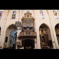 Muro (Mallorca), Sant Joan Baptiste, Orgel und Seitenschiff