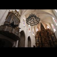 Muro (Mallorca), Sant Joan Baptiste, Orgel und Chor mit Hochaltar