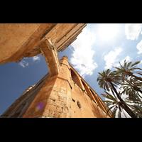 Muro (Mallorca), Sant Joan Baptiste, Verbindungsgang zwischen Kirche und Turm