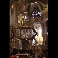 Palma de Mallorca, Catedral La Seu, Hoher Chor mit Gaudí-Leuchter