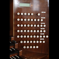Hamburg, St. Michaelis, ''Michel'' (Krypta-Orgel), Rechte Registerstaffel der Hauptorgel