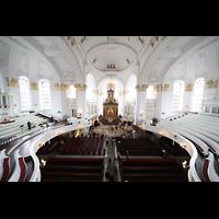 Hamburg, St. Michaelis, ''Michel'' (Krypta-Orgel), Blick vom Spieltisch der Hauptorgel in die Kirche