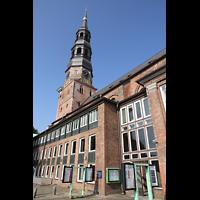 Hamburg, St. Katharinen (Chororgel), Außenansicht vom Katharinenkirchhof aus gesehen