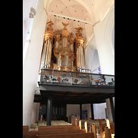 Hamburg, St. Katharinen (Chororgel), Hauptorgel mit Empore seitlich gesehen