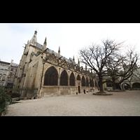 Paris, Saint-Séverin, Außenansicht vom Kirchhof aus gesehen