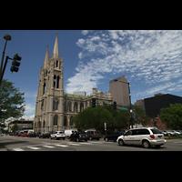 Denver (CO), Cathedral Basilica of the ImmaculateConception, Ansicht von der Colfax Ave