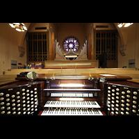 Denver (CO), Montview Boulevard Presbyterian Church, Spieltisch und Orgelprospekt