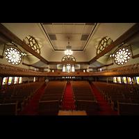 Denver (CO), Trinity United Methodist Church, Innenraum in Richtung Rückwand
