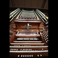 Denver (CO), Trinity United Methodist Church, Spieltisch und Orgelprospekt