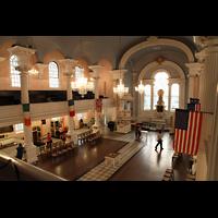 New York (NY), St. Paul's Chapel (Trinity Parish), Blick von der Seitenempore zum Chor
