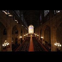 New York (NY), St. Thomas (Kleine Orgel), Blick vom Spieltisch der kleinen Orgel in Richtung Chor und Hauptorgel