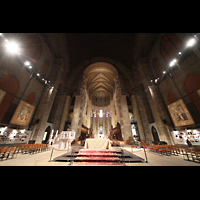 New York (NY), Episcopal Cathedral of St. John the Divine, Altar- und Chorraum
