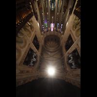 New York (NY), Episcopal Cathedral of St. John the Divine, Blick im Chor nach oben zu den Orgeln