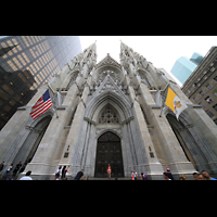 New York (NY), St. Patrick's Cathedral, Fassade