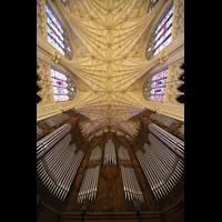 New York (NY), St. Patrick's Cathedral, Orgelprospekt und Deckengewölbe