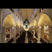 New York (NY), St. Patrick's Cathedral, Blick von der Orgelempore in die Kathedrale