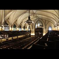 New York (NY), First Presbyterian Church - Main Organ, Blick von der vorderen Seitenempore in die Kirche