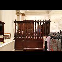 Philadelphia (PA), Macy's (''Wanamaker'') Store, Spieltisch und 2014 restaurierte Abgrenzung im Kaufhaus