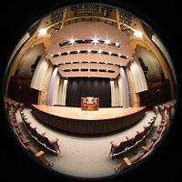 Philadelphia (PA), Irvine Auditorium (''Curtis Organ''), Bühne mit Spieltisch und Orgel