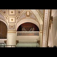 Philadelphia (PA), Macy's (''Wanamaker'') Store, Oberste Orgeletage - Tuba magna und Deagan Tower Chimes