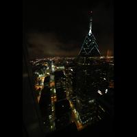 Philadelphia (PA), Macy's (''Wanamaker'') Store, Blick vom Pyramid Club (52. Etage im BNY Mellon Center) in Richtung Macy's (rechts: One Liberty Tower)