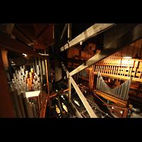 Philadelphia (PA), Girard College Chapel, Rechts: Große Pfeifen des Great, links: Pedal-Labiale (Vorderes Ende der Orgelkammer)