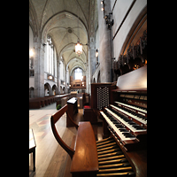 Chicago (IL), University, Rockefeller Memorial Chapel, Blick vom Spieltisch zur Antiphonal-Orgel an der Westwand