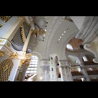 Dresden, Frauenkirche, Seitlicher Blick von der Empore zur Orgel