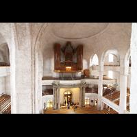 Dresden, Kreuzkirche, Blick von der gegenüberliegenden Empore zur Orgel und in die Kirche