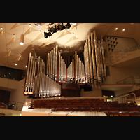 Berlin (Tiergarten), Philharmonie, Orgelempore von der Bühne aus gesehen