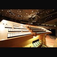 Berlin (Tiergarten), Philharmonie, Generalspieltisch mit Blick zur Orgel (perspektivisch)