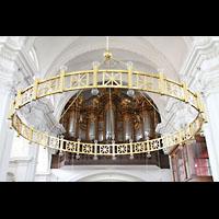 Bamberg, St. Stephan, Altarleuchter und Orgel