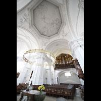 Bamberg, St. Stephan, Altarraum und Orgel mit Blick in die Kuppel