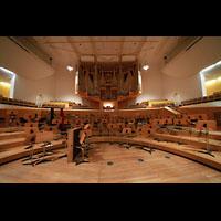 Bamberg, Konzert- und Kongresshalle, Orchesterbühne und Orgel