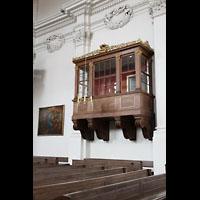 Bamberg, St. Stephan, Holztribühne im Orgel-Querschiff