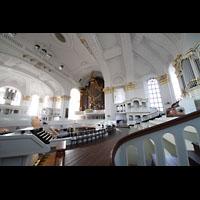 Hamburg, St. Michaelis, ''Michel'' (Krypta-Orgel), Gesamte Orgelanlage (alle 3 Orgeln inkl. Fernwerk) mit Zentralspieltisch