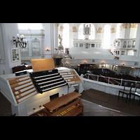 Hamburg, St. Michaelis, ''Michel'' (Krypta-Orgel), Zentralspieltisch mit Blick in die Kirche
