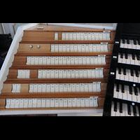 Hamburg, St. Michaelis, ''Michel'' (Krypta-Orgel), Linke Registerstaffel am Zentralspieltisch