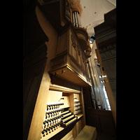 Hamburg, St. Katharinen (Chororgel), Spieltisch und Orgel