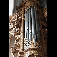 Lübeck, St. Ägidien, Figurenschmuck am linken Pedalturm