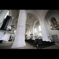 Lübeck, Dom (Hauptorgel), Innenraucm mit Orgel Nördliches Seitenschiff mit Orgel
