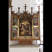 Lübeck, Dom (Hauptorgel), Altar rechts neben der Kirchenuhr