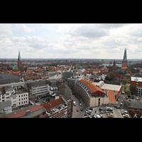 Lübeck, St. Ägidien, Blick vom St. Petri-Kirchturm auf St. Ägidien (links) und auf den Dom (rechts)