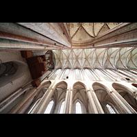 Lübeck, St. Marien (Hauptorgel), Das 38,5 m hohe Gewölbemit Hauptorgel