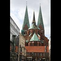 Lübeck, St. Marien (Hauptorgel), Blick vom 'Schrangen' auf den Chor mit Strebepfeilern